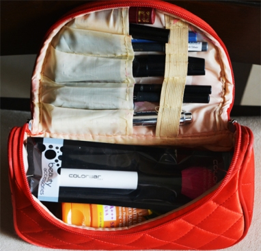 makeup-organizer-international-travel-packing